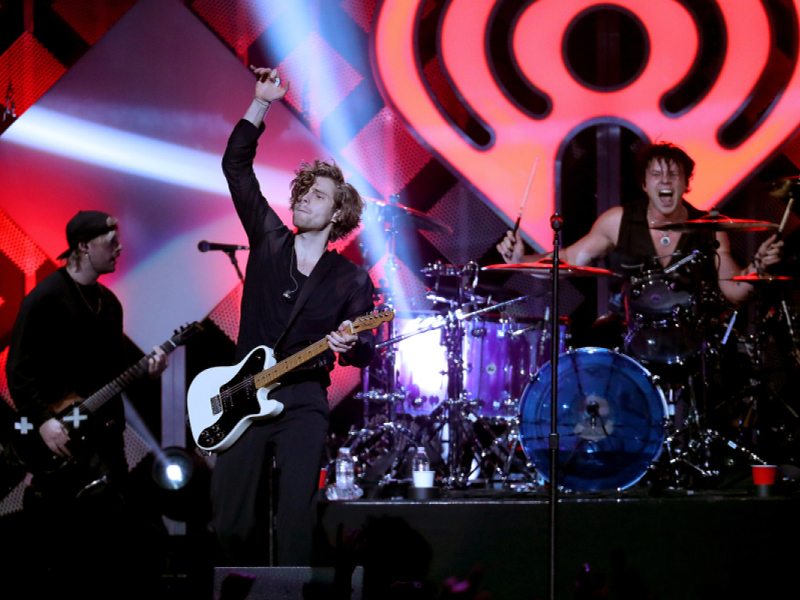 5 Seconds of Summer at Freedom Hill Amphitheatre
